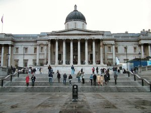 National_Gallery_head-on_shot